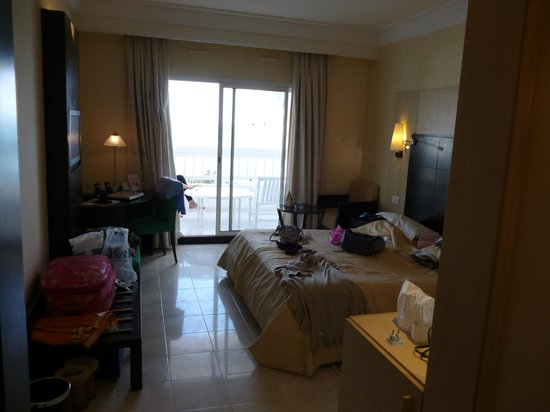SENTIDO Aziza Beach Golf & Spa:                   Very spacious bedroom