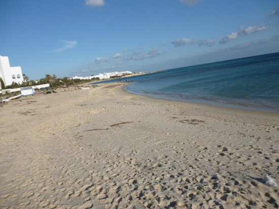 SENTIDO Aziza Beach Golf & Spa:                   Another beach view