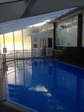 Belroy Apartamentos: kept at 87+ hot pool