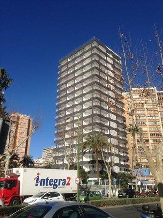 Belroy Apartamentos: the apartment building