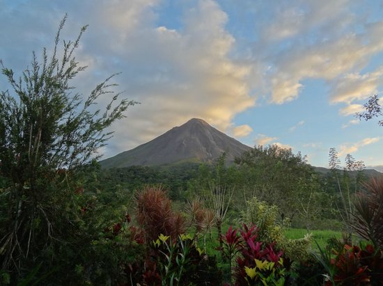 Arenal Kioro:                   Arenal Volcano