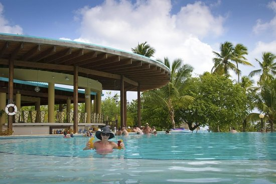Dreams La Romana Resort & Spa:                   Swim up bar