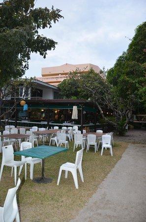 Sailom Hotel:                   restaurant