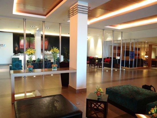 فندق مطار عمّان: Hall d'entrée 