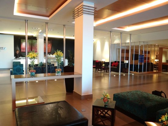 Amman Airport Hotel: Hall d'entrée