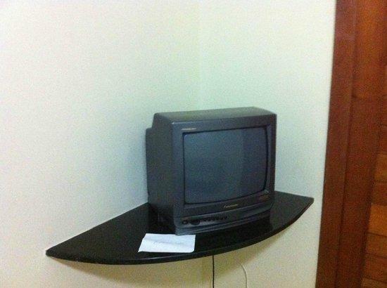 Boulevard da Praia Hotel :                   Tv da sala de estar