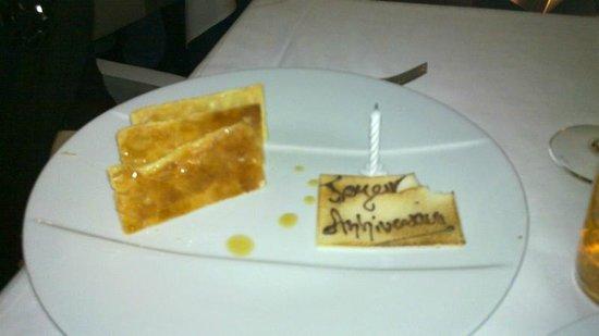 Sofitel Marseille Vieux-Port: Le dessert personnalisé pour l'occasion
