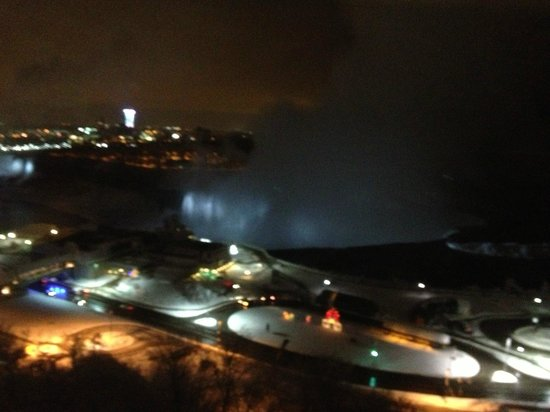 Niagara Falls Marriott Fallsview Hotel & Spa: Night view from room