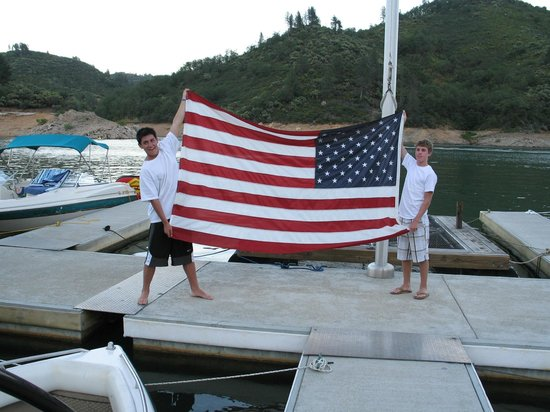 Tsasdi Resort: Folding the Flag
