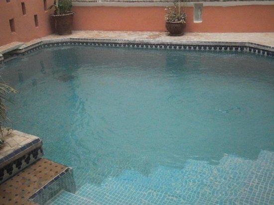 Riad Dar Palmyra: la piscine privée du riad