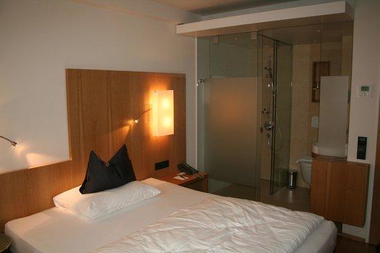 Hotel Maximilian: Habitación