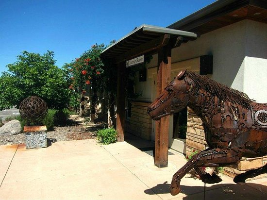 Plum Creek Winery: Iron Work Art
