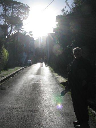Casa Miradouro :                   The hill into town