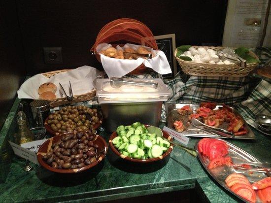 Plaka Hotel:                   Breakfast