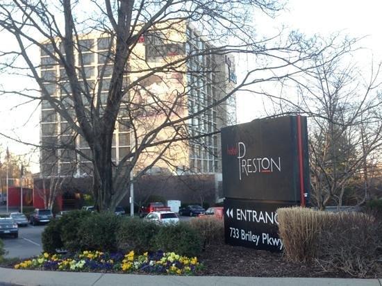 Hotel Preston:                   HP Front