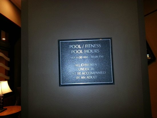 Hilton Chicago Oak Brook Suites:                   Pool hours (just FYI for those interested)