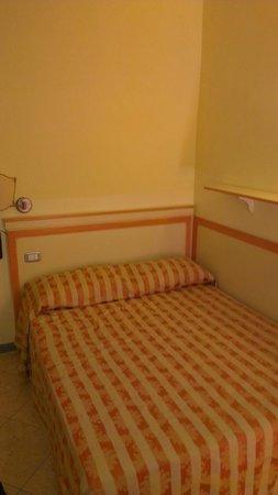 Hotel Regit: room