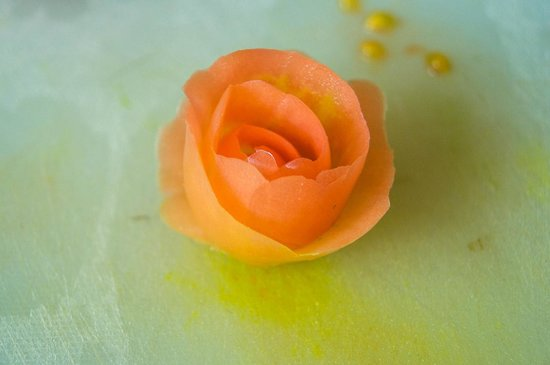 Phuket Thai Cookery School: Create a rose