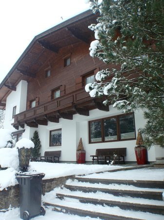 Alpin Hotel Garni Eder:                   The Hotel