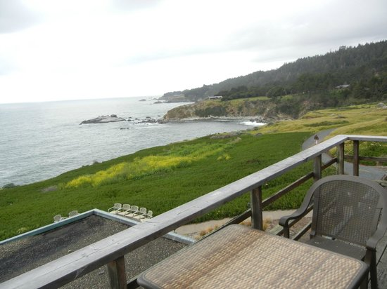 Timber Cove Inn: Epic views