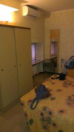 Hotel Nettuno:                   room