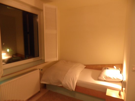 Hotel Viva Creativo:                                     Very basic room