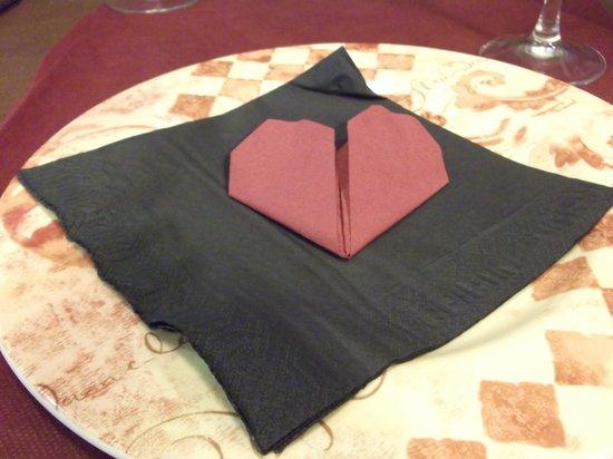 Tulip Inn Plaza Feria: increible hasta la srvilleta en forma de corazon