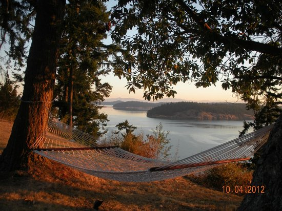 "The Bluff on Whidbey: One can lie here for ""ad infinitum"""