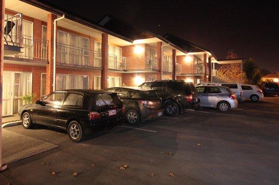 كرانفورد أوك موتل: Hotel Exterior