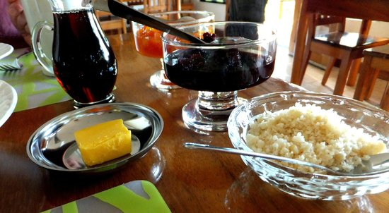 Villa Decary:                   Breakfast condiments