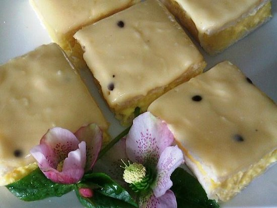 Sugar Plum Cafe: Lemon Passion Slice