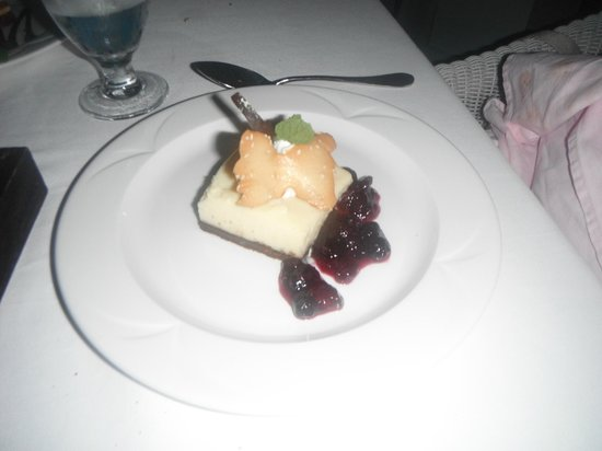 Couples Sans Souci:                   Great cheese cake