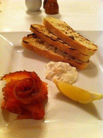 Brown Hotel Lobby Bar: smoked Salmon!