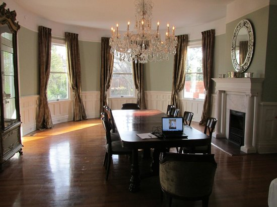 The Twelve Oaks Bed & Breakfast:                   Dining Room