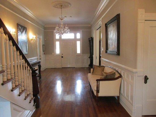 The Twelve Oaks Bed & Breakfast:                   First Floor Foyer