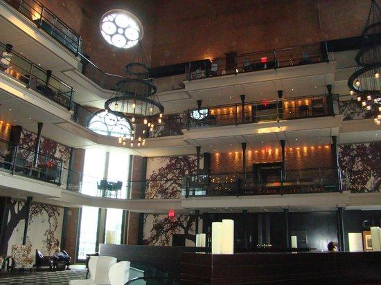 The Liberty Hotel: Hall de entrada del hotel