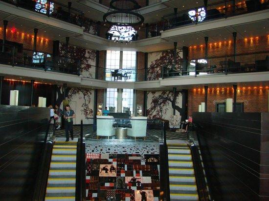 The Liberty Hotel: Hall de distribución....