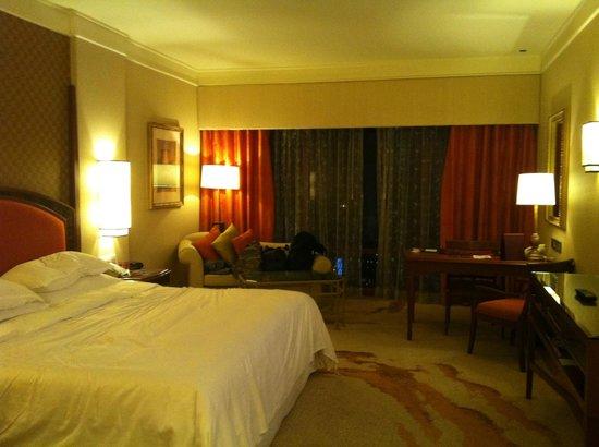 Sheraton Imperial Kuala Lumpur Hotel:                   room