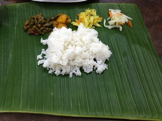 K.Sanba's Curry Specials: Delicious Banana leaf meal!!