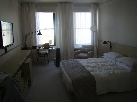 엠베서더 이스트 호텔 사진