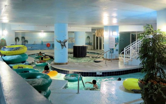 Paradise Resort: Indoor Lazy river with obnoxious children