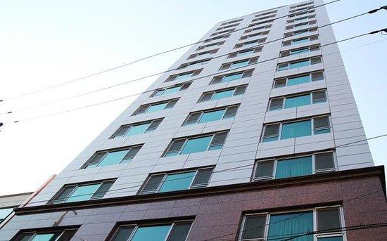 Lexvill Residence:                   exterior