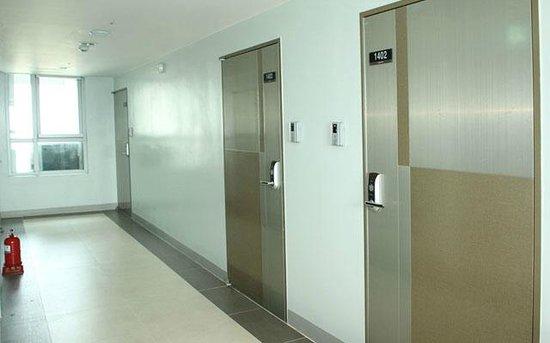 Lexvill Residence:                   corridor