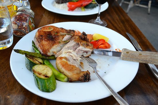 Francis Ford Coppola Winery: Chicken