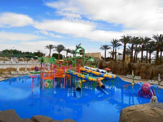SENTIDO Reef Oasis Senses Resort: Aqua Park