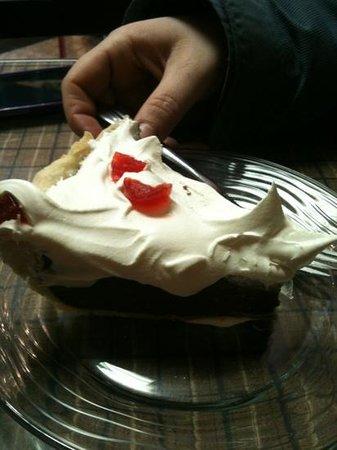 Vicki's Restaurant: chocolate pie