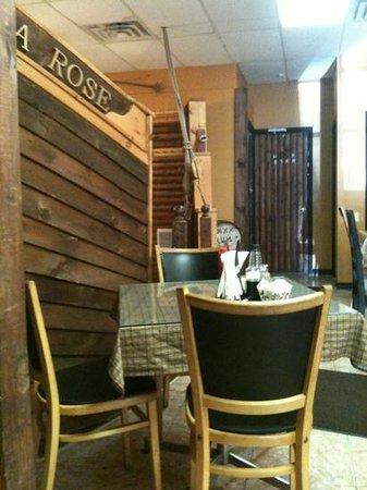 Vicki's Restaurant: dining area