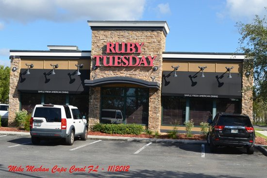 Ruby Tuesday: Side view of building.