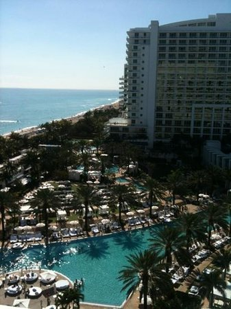 Fontainebleau Miami Beach:                   Fontainebleau view from room