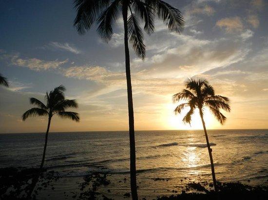 Sheraton Kauai Resort: Sunset from our room